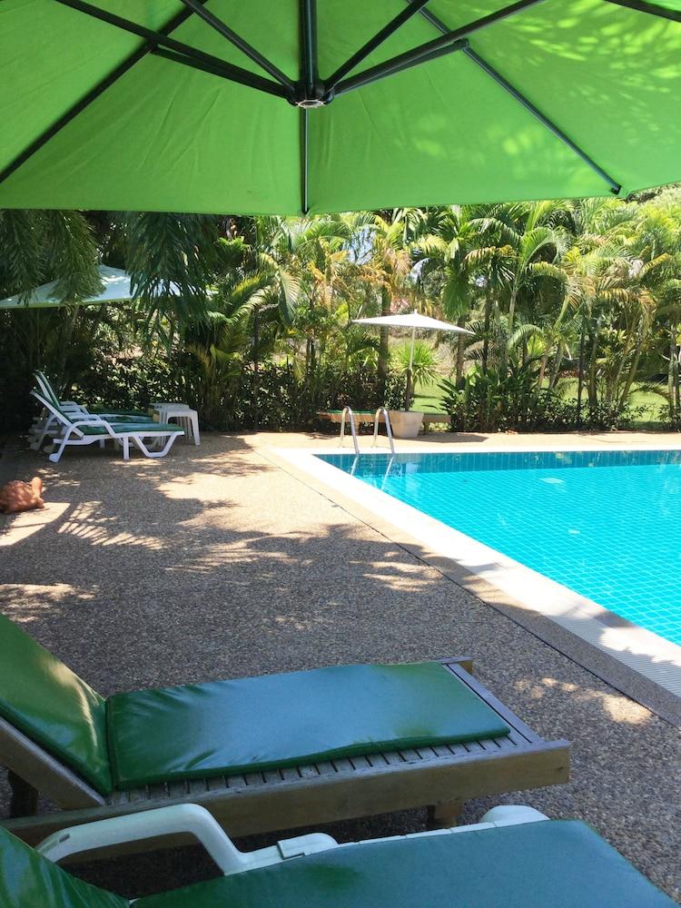 팁 레지던스 부티크 호텔(Thip Residence Boutique Hotel) Hotel Image 43 - Outdoor Pool