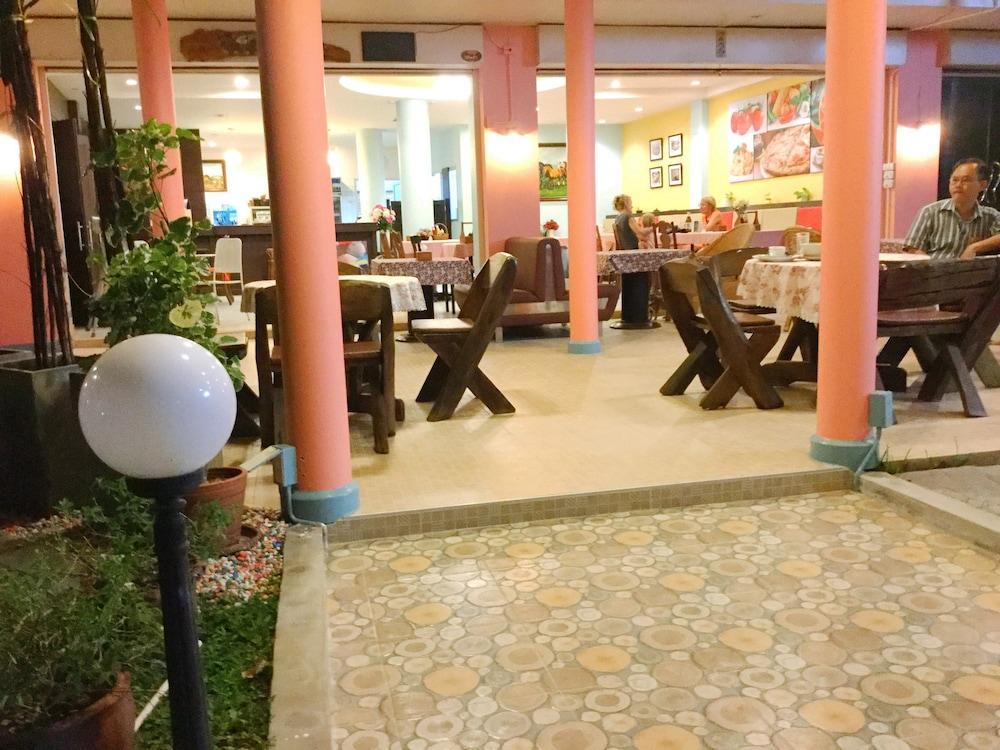 팁 레지던스 부티크 호텔(Thip Residence Boutique Hotel) Hotel Image 50 - Restaurant