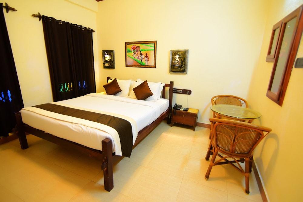 코발람 비치 호텔(Kovalam Beach Hotel) Hotel Image 2 - Guestroom