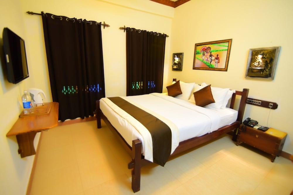 코발람 비치 호텔(Kovalam Beach Hotel) Hotel Image 3 - Guestroom