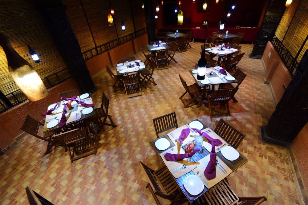 코발람 비치 호텔(Kovalam Beach Hotel) Hotel Image 24 - Outdoor Banquet Area