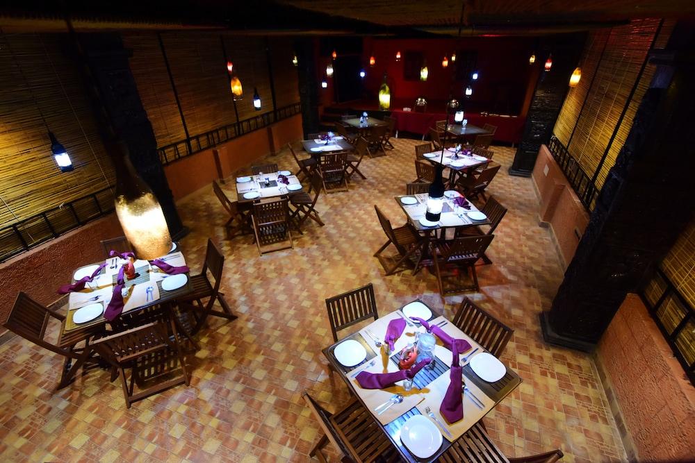 코발람 비치 호텔(Kovalam Beach Hotel) Hotel Image 18 - Family Dining