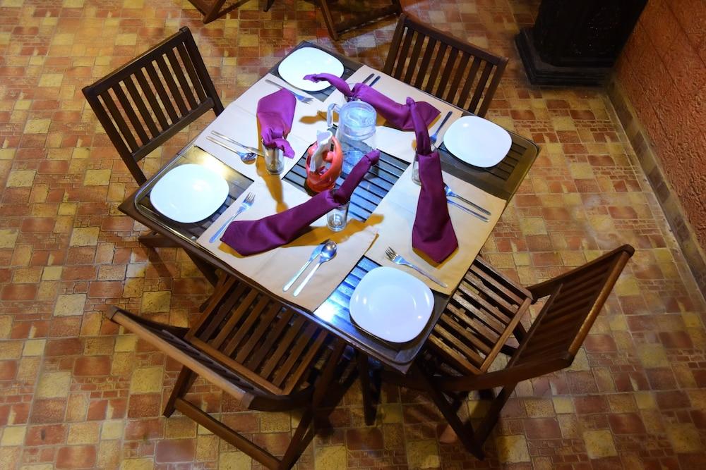코발람 비치 호텔(Kovalam Beach Hotel) Hotel Image 17 - Breakfast Area