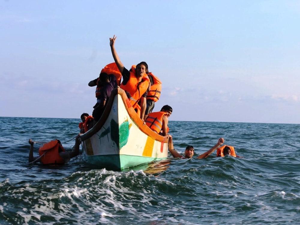 코발람 비치 호텔(Kovalam Beach Hotel) Hotel Image 28 - Boating