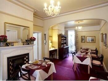 리버뱅크 게스트 하우스(Riverbank Guest House) Hotel Image 12 - Breakfast Area