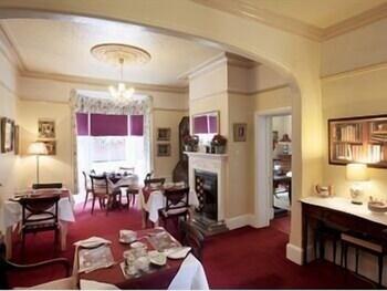 리버뱅크 게스트 하우스(Riverbank Guest House) Hotel Image 14 - Breakfast Area