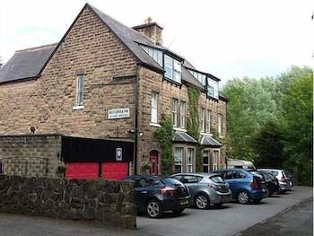 리버뱅크 게스트 하우스(Riverbank Guest House) Hotel Image 1 - Parking