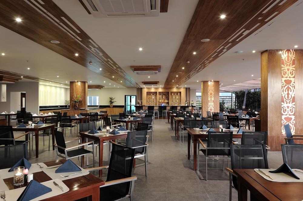 씨 썬 샌드 리조트 & 스파(Sea Sun Sand Resort & Spa) Hotel Image 44 - Restaurant
