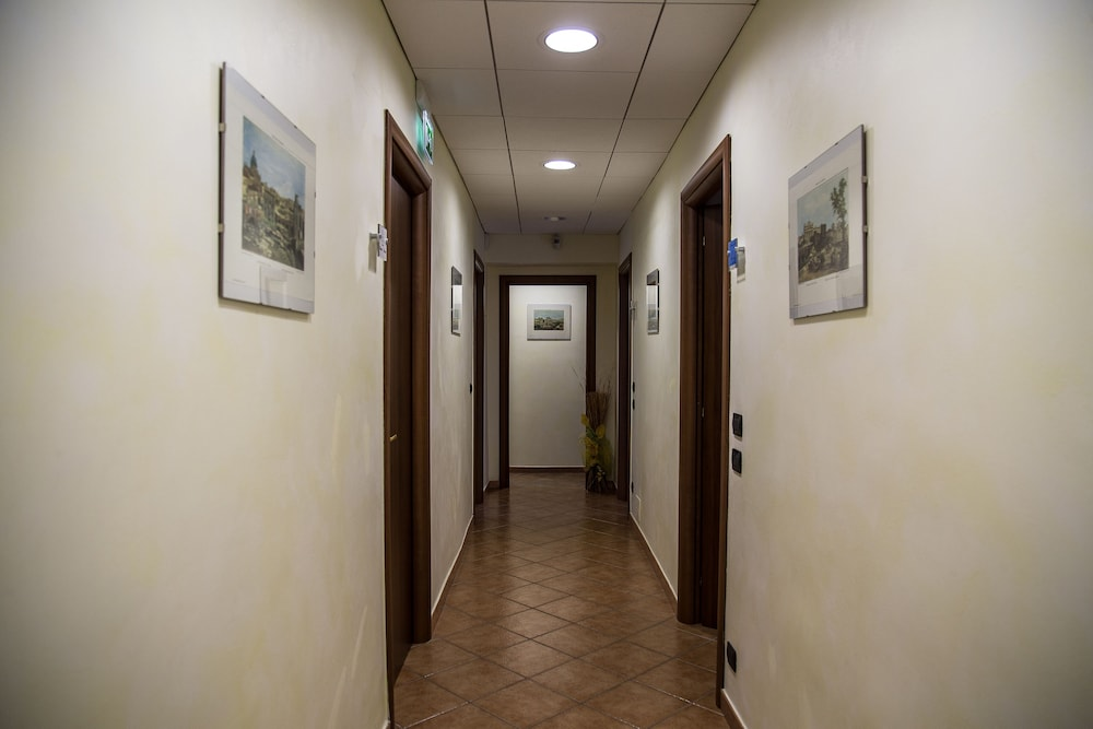 일 코르소 베드 앤드 브렉퍼스트(Il Corso Bed And Breakfast) Hotel Thumbnail Image 80 - Hallway