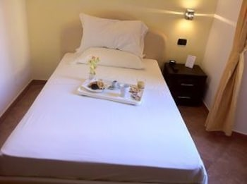 일 코르소 베드 앤드 브렉퍼스트(Il Corso Bed And Breakfast) Hotel Thumbnail Image 6 - Guestroom