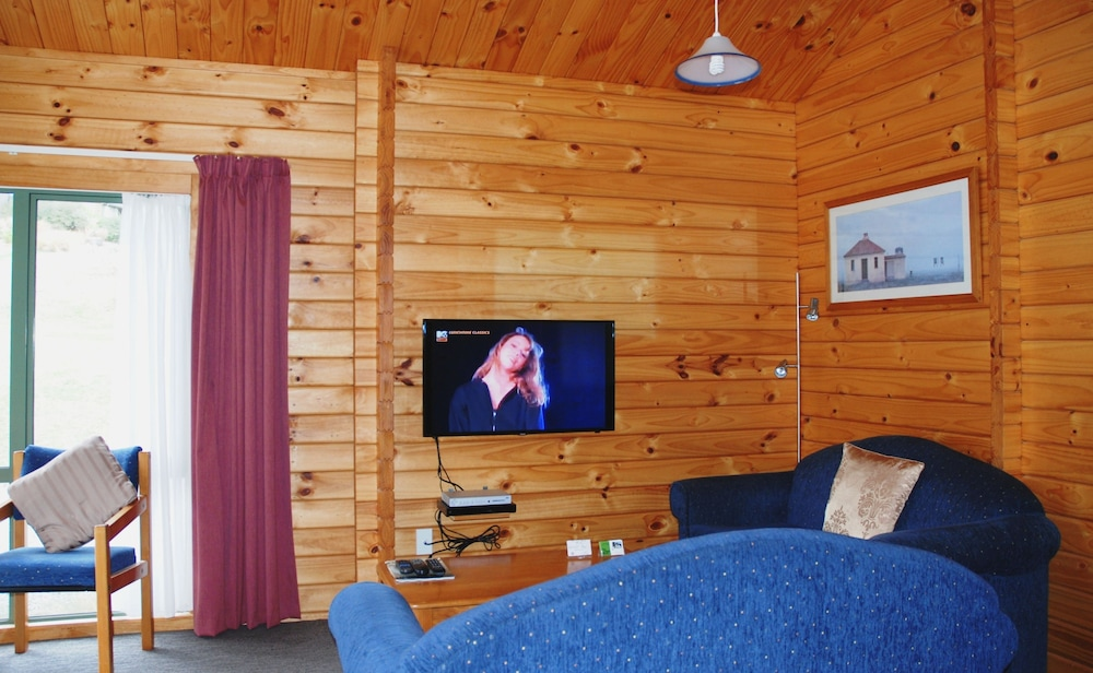 더 샬레 모텔(The Chalets Motel) Hotel Image 18 - Living Area