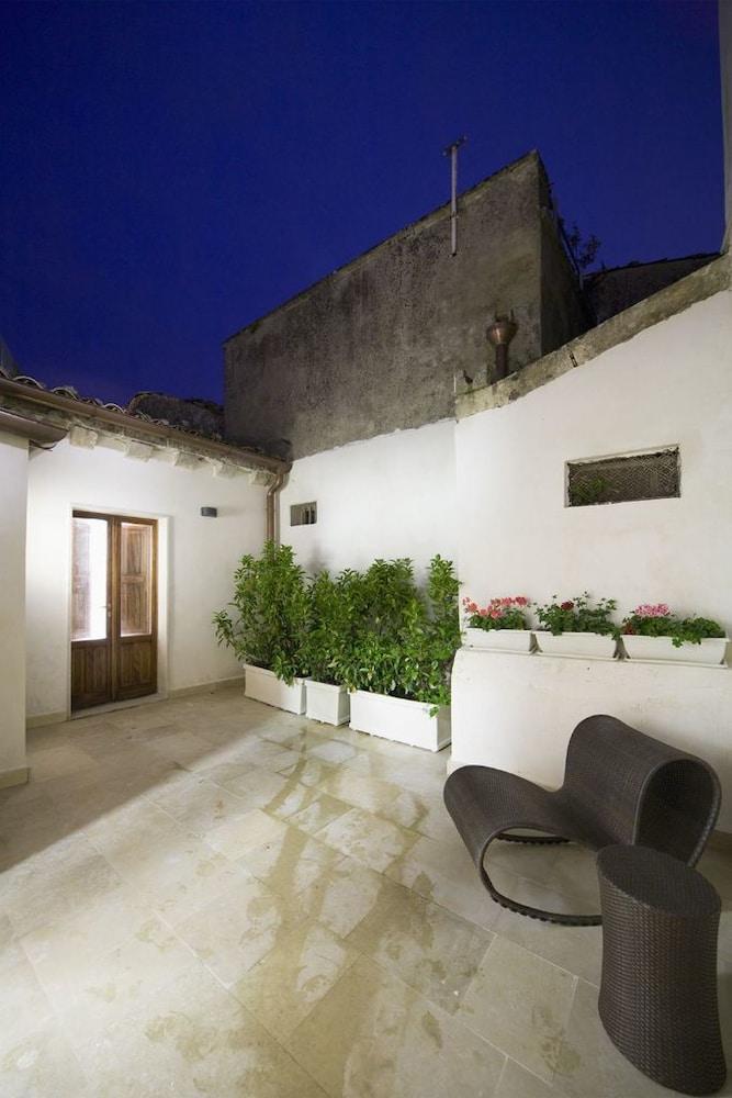 지아르디노 술 두오모(Giardino sul Duomo) Hotel Image 39 - Courtyard