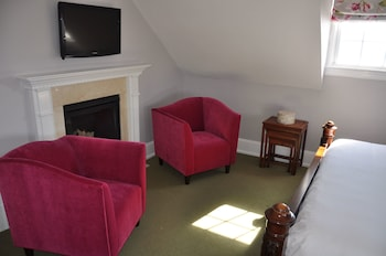 Room (Room 7)