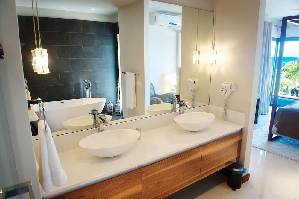 레오라 비치 바이 호라이즌 홀리데이스(Leora Beach by Horizon Holidays) Hotel Image 27 - Bathroom