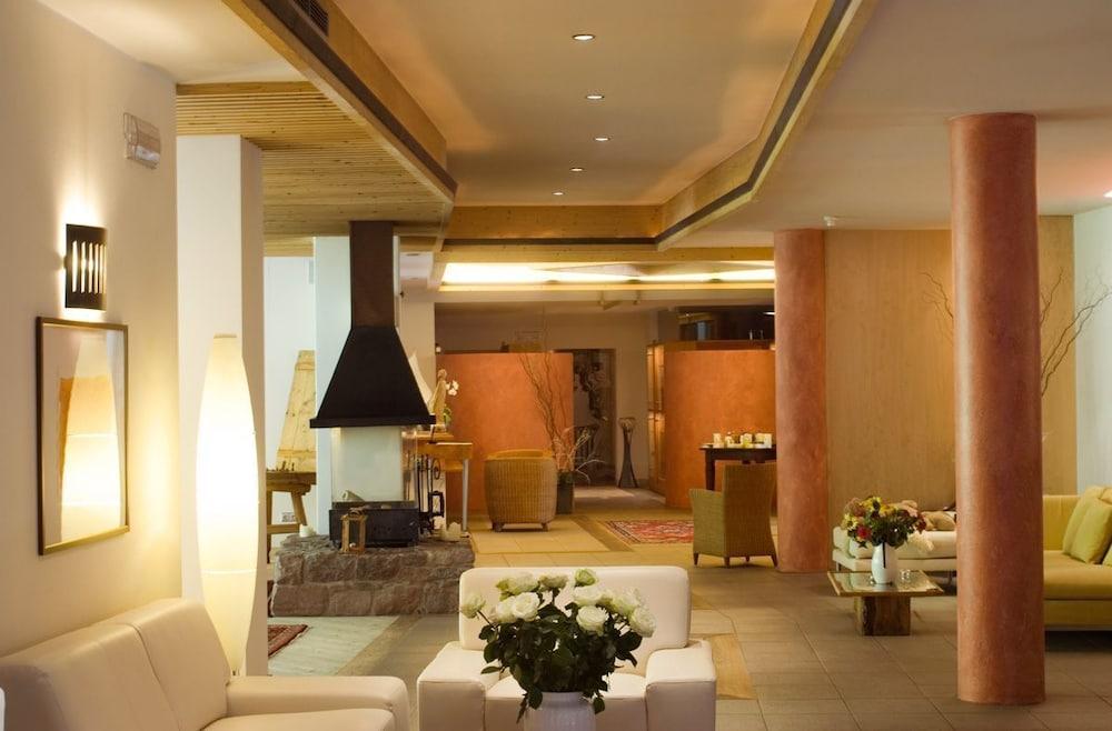 호텔 바트 쇼어가우(Hotel Bad Schoergau) Hotel Image 1 - Lobby