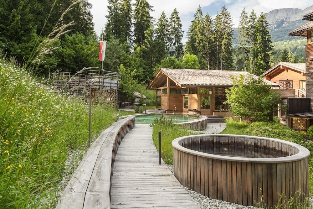 호텔 바트 쇼어가우(Hotel Bad Schoergau) Hotel Image 13 - Outdoor Pool