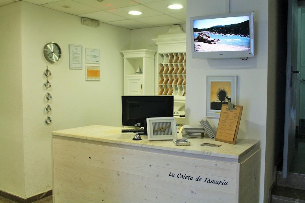 호텔 라 칼레타 데 타마리우(Hotel La Caleta de Tamariu) Hotel Image 2 - Reception