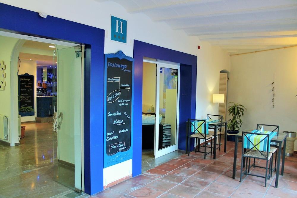 호텔 라 칼레타 데 타마리우(Hotel La Caleta de Tamariu) Hotel Image 22 - Hotel Bar