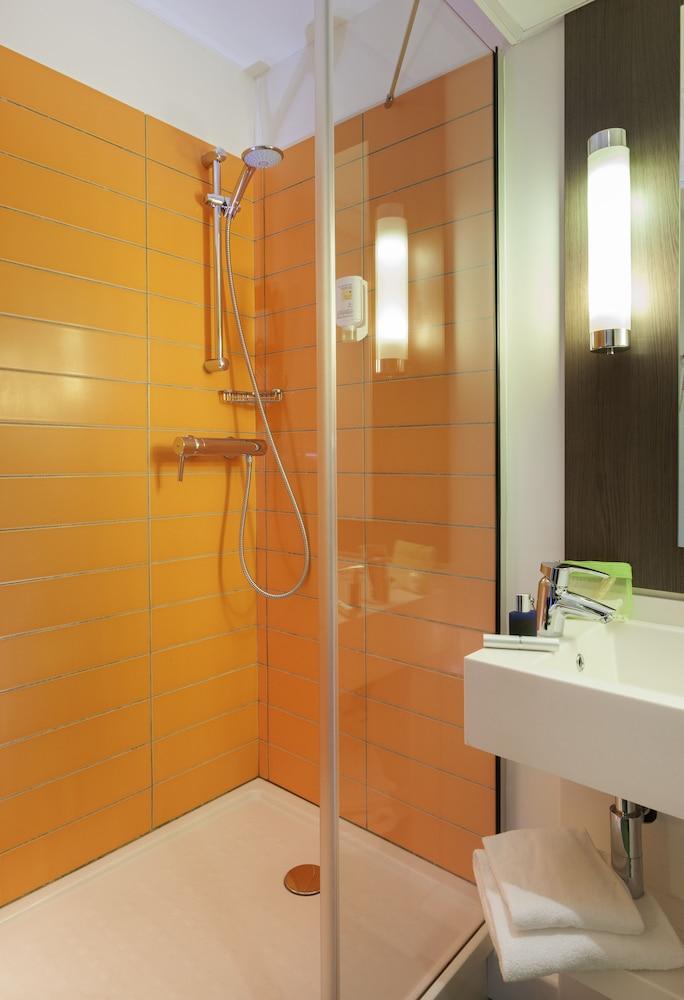 이비스 스타일스 리옹 라 파르 되(ibis Styles Lyon Centre - Gare Part Dieu Hotel) Hotel Image 22 - Bathroom Shower