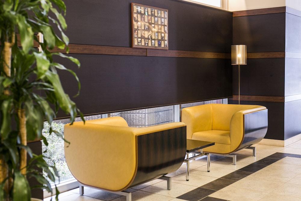 니시테츠 인 코쿠라(Nishitetsu Inn Kokura) Hotel Image 1 - Lobby Sitting Area