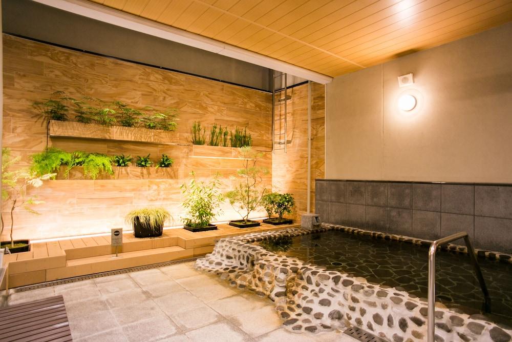 니시테쓰 호텔 크룸 하카타(Nishitetsu Hotel Croom Hakata) Hotel Image 35 - Indoor Spa Tub