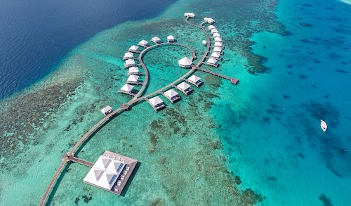 . Diamonds Thudufushi Beach & Water Villas All Inclusive