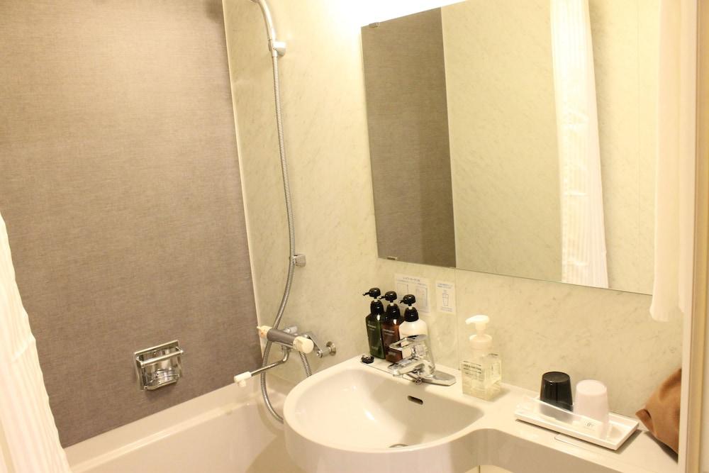 니시테츠 인 신주쿠(Nishitetsu Inn Shinjuku) Hotel Image 25 - Bathroom