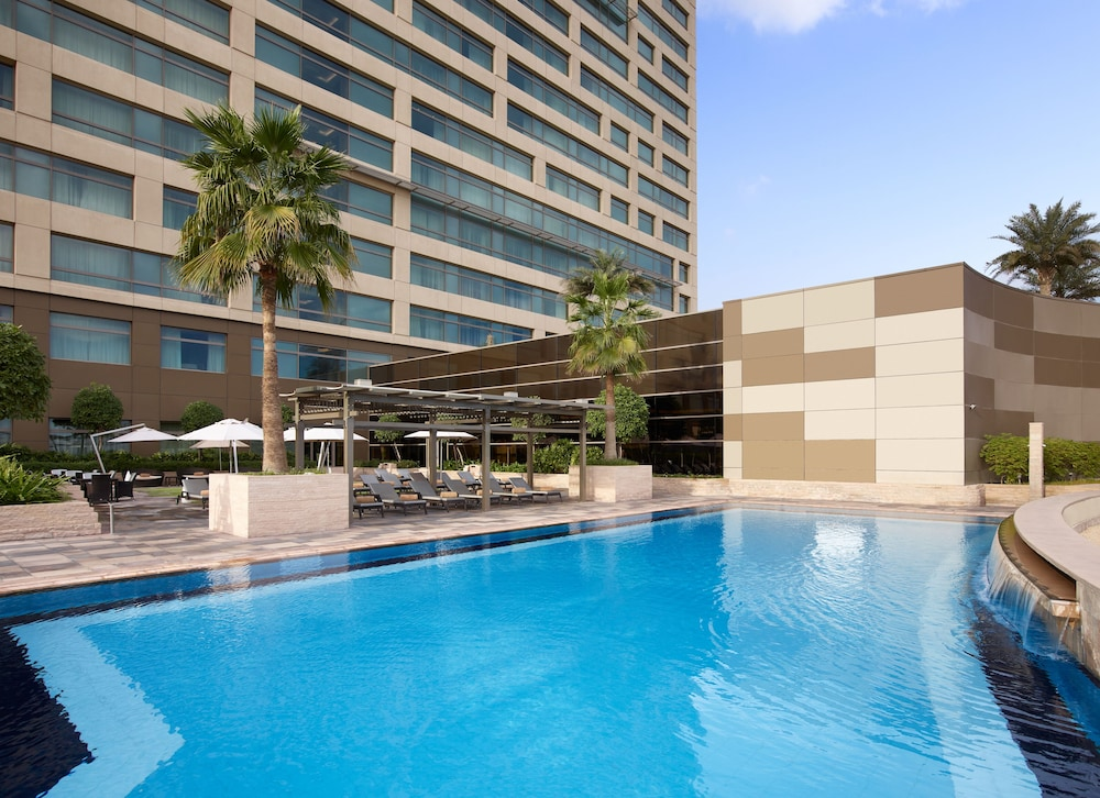 스위소텔 알 구르아이르 두바이(Swissotel Al Ghurair Dubai) Hotel Image 32 - Outdoor Pool