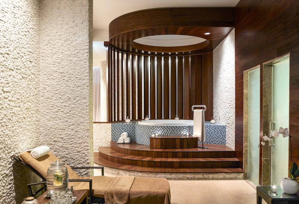 스위소텔 알 구르아이르 두바이(Swissotel Al Ghurair Dubai) Hotel Image 41 - Treatment Room