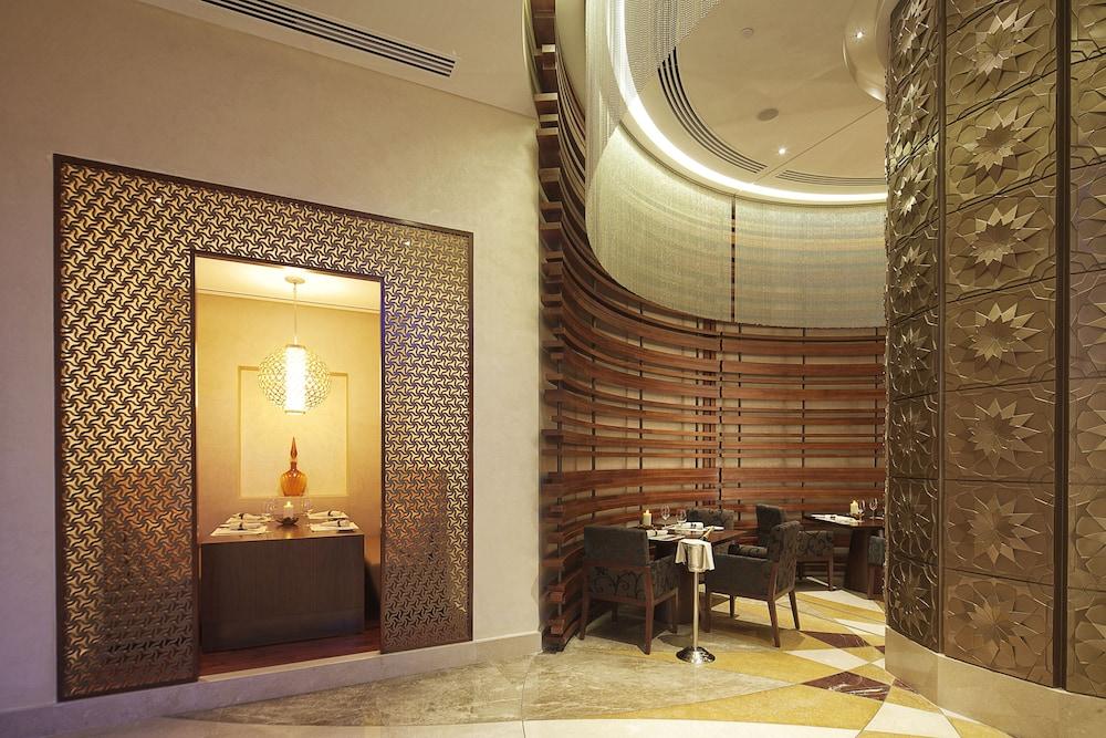 스위소텔 알 구르아이르 두바이(Swissotel Al Ghurair Dubai) Hotel Image 55 - Restaurant