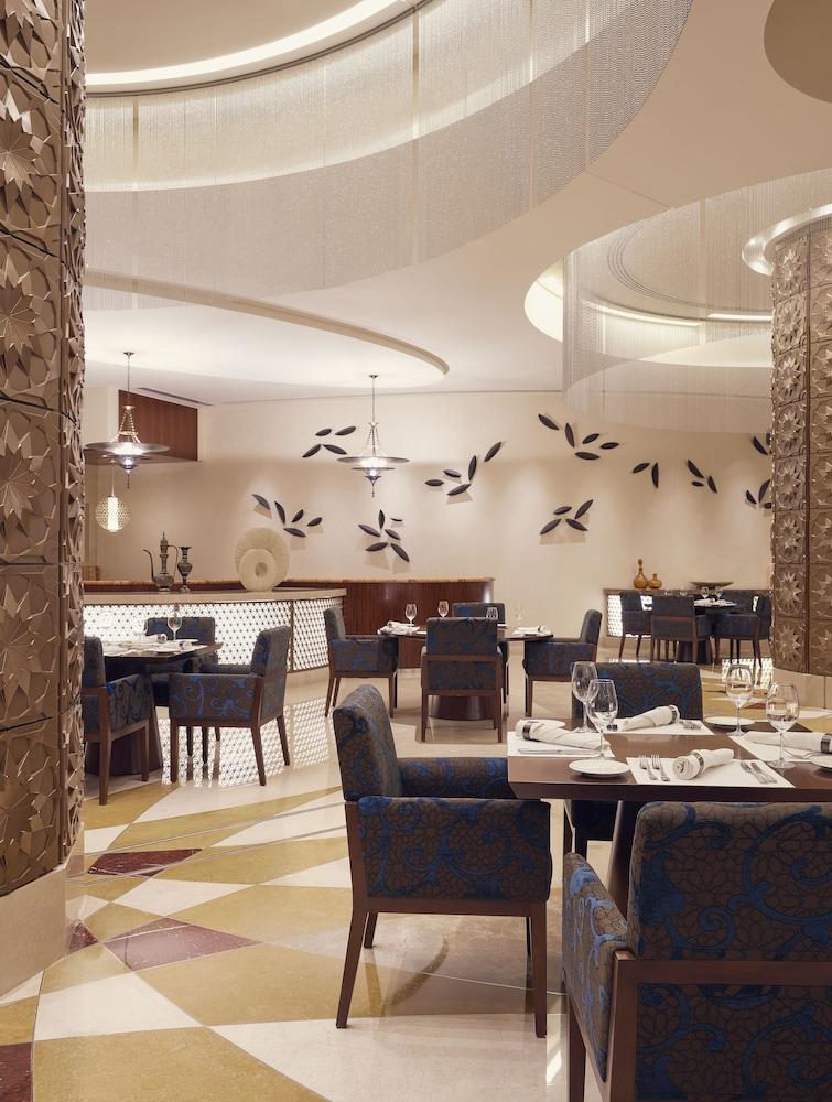 스위소텔 알 구르아이르 두바이(Swissotel Al Ghurair Dubai) Hotel Image 56 - Restaurant