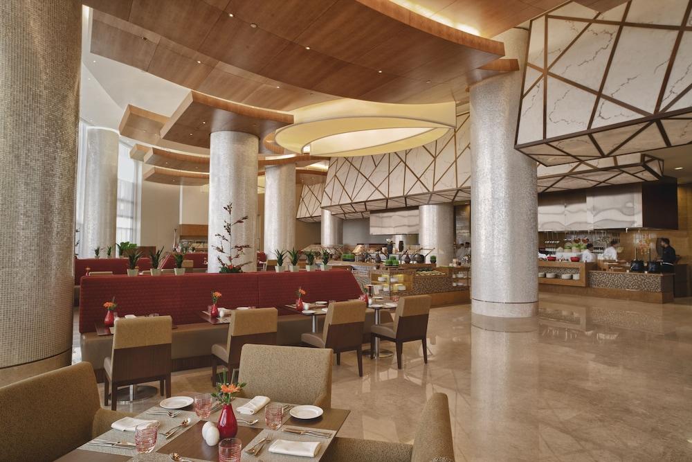 스위소텔 알 구르아이르 두바이(Swissotel Al Ghurair Dubai) Hotel Image 52 - Restaurant