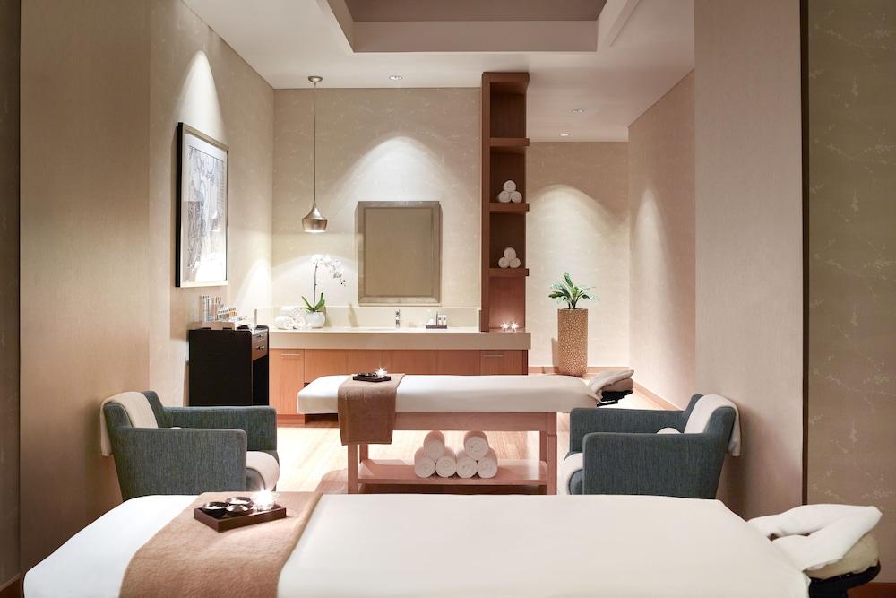 스위소텔 알 구르아이르 두바이(Swissotel Al Ghurair Dubai) Hotel Image 42 - Treatment Room