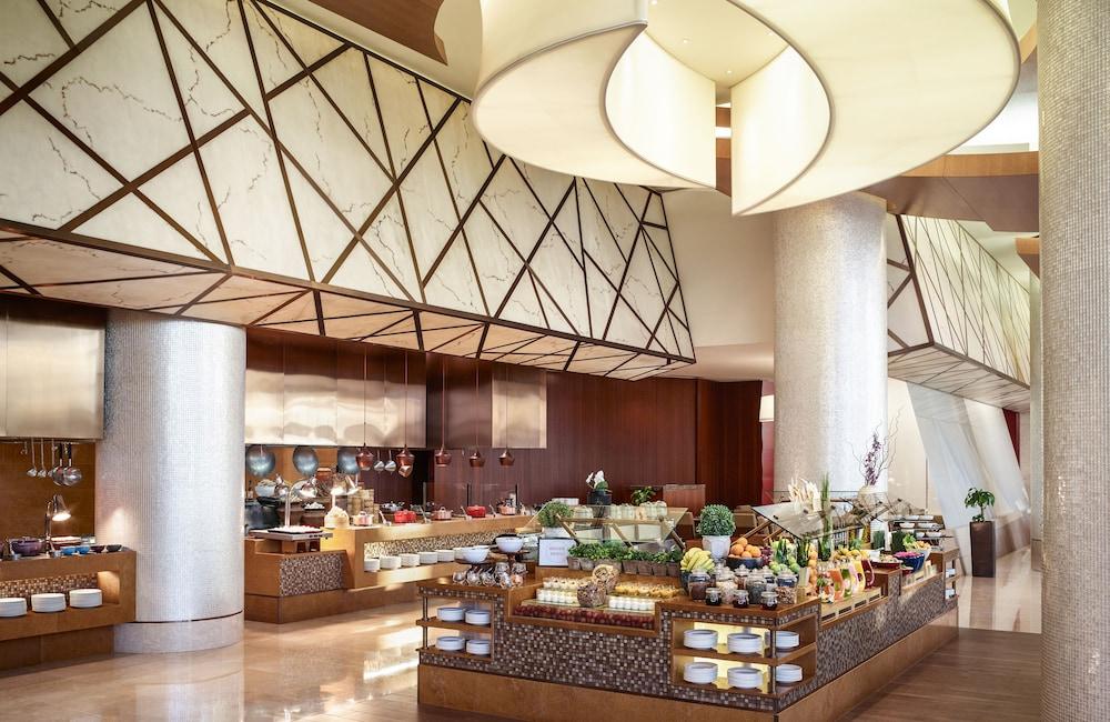 스위소텔 알 구르아이르 두바이(Swissotel Al Ghurair Dubai) Hotel Image 59 - Restaurant