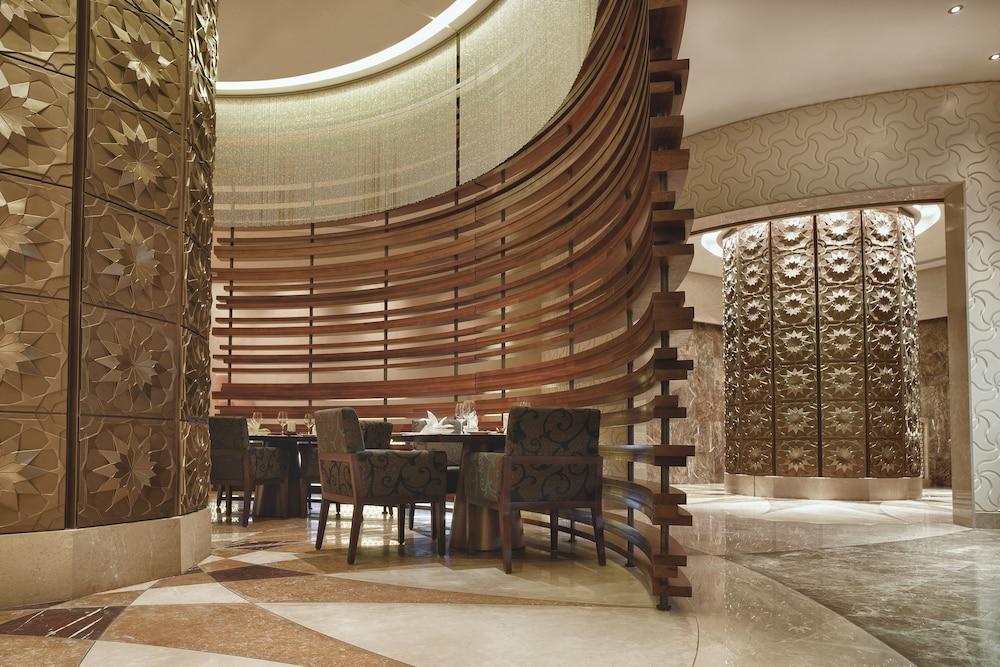 스위소텔 알 구르아이르 두바이(Swissotel Al Ghurair Dubai) Hotel Image 54 - Restaurant