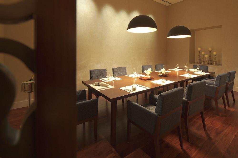 스위소텔 알 구르아이르 두바이(Swissotel Al Ghurair Dubai) Hotel Image 53 - Restaurant