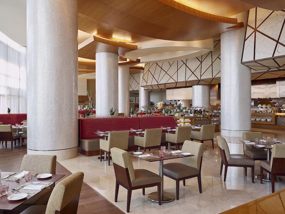 스위소텔 알 구르아이르 두바이(Swissotel Al Ghurair Dubai) Hotel Image 58 - Restaurant