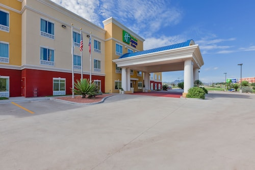 . Holiday Inn Express & Suites Alpine Southeast, an IHG Hotel