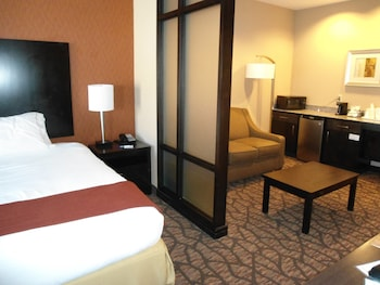 Suite, 1 King Bed, Accessible, Non Smoking (Hear, Mobility Tub)