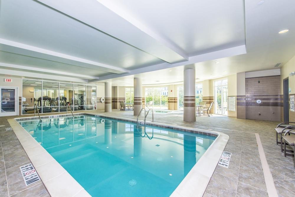 홀리데이 인 익스프레스 호텔 & 스위트 찰스턴 Arpt - Conv Ctr(Holiday Inn Express Hotel & Suites Charleston Arpt-Conv Ctr) Hotel Image 7 - Pool