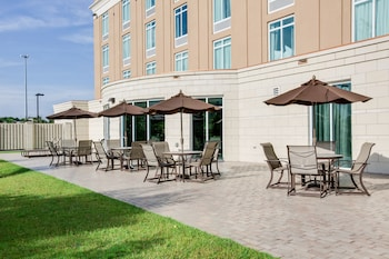 Exterior at Holiday Inn Express Hotel & Suites Charleston Arpt-Conv Ctr in North Charleston