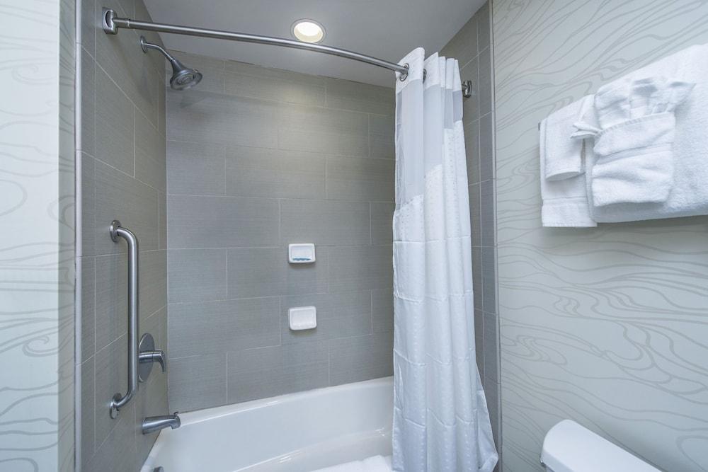 홀리데이 인 익스프레스 호텔 & 스위트 찰스턴 Arpt - Conv Ctr(Holiday Inn Express Hotel & Suites Charleston Arpt-Conv Ctr) Hotel Image 19 - In-Room Amenity
