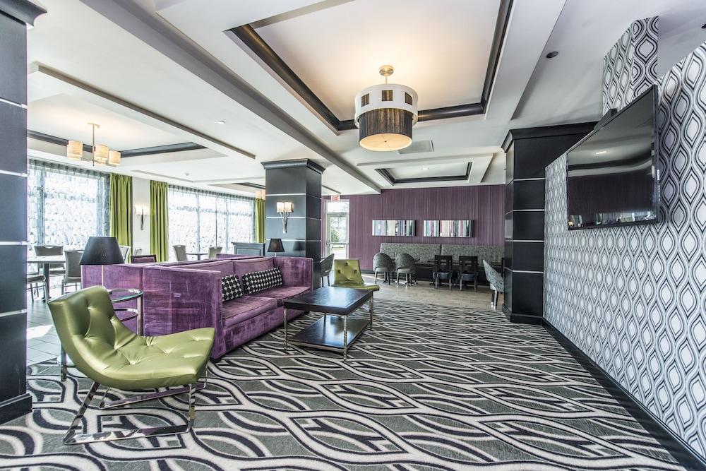 홀리데이 인 익스프레스 호텔 & 스위트 찰스턴 Arpt - Conv Ctr(Holiday Inn Express Hotel & Suites Charleston Arpt-Conv Ctr) Hotel Image 5 - Lobby Sitting Area