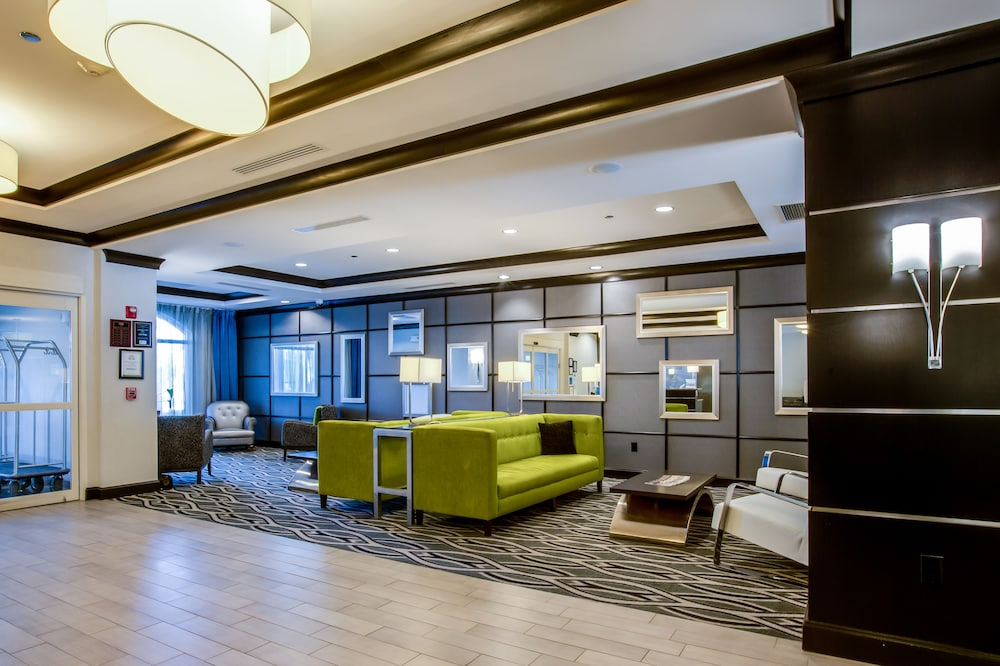 홀리데이 인 익스프레스 호텔 & 스위트 찰스턴 Arpt - Conv Ctr(Holiday Inn Express Hotel & Suites Charleston Arpt-Conv Ctr) Hotel Image 3 - Lobby Sitting Area