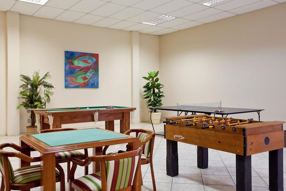 호텔 게라니우스 프라이아 두스 잉글레지스(Hotel Geranius Praia dos Ingleses) Hotel Image 20 - Game Room