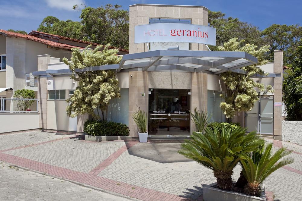 호텔 게라니우스 프라이아 두스 잉글레지스(Hotel Geranius Praia dos Ingleses) Hotel Image 1 - Lobby Sitting Area