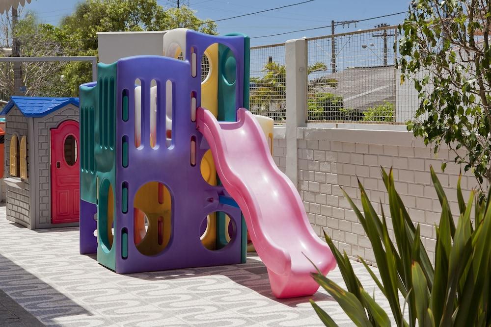 호텔 게라니우스 프라이아 두스 잉글레지스(Hotel Geranius Praia dos Ingleses) Hotel Image 23 - Childrens Play Area - Outdoor