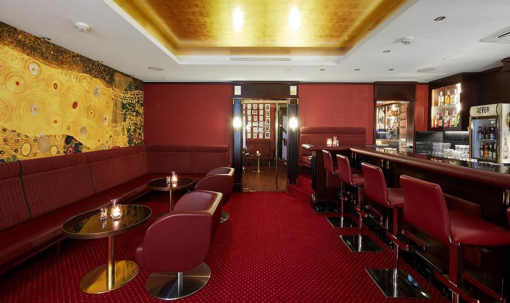 리빙 호텔 뒤셀도르프 바이 데라크(Living Hotel Düsseldorf by Derag) Hotel Image 28 - Hotel Bar