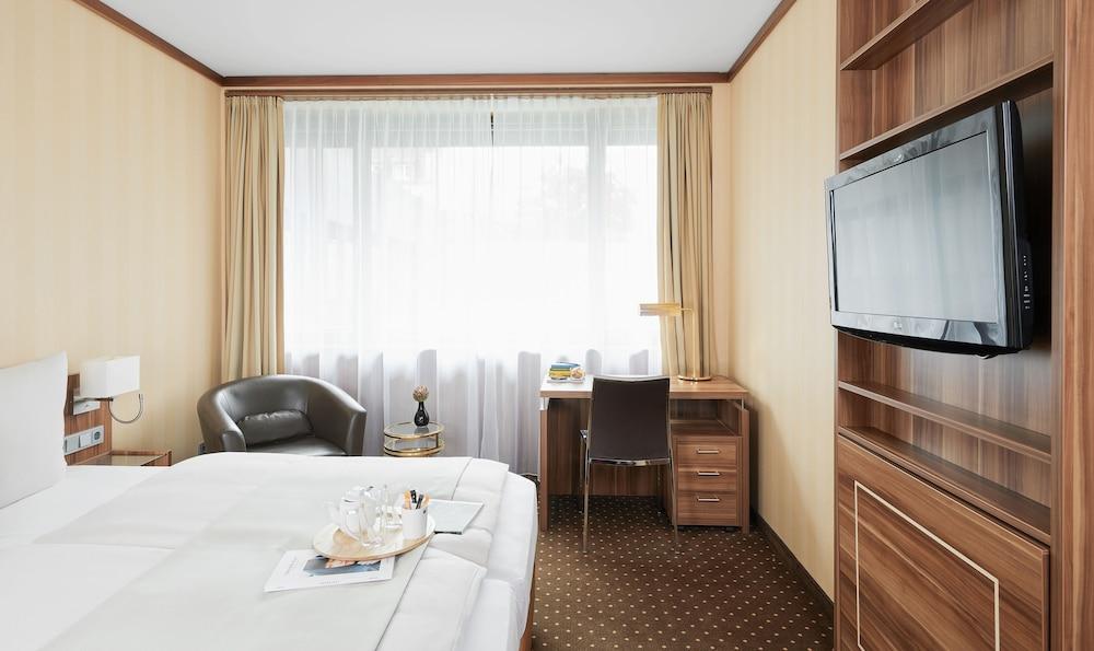 리빙 호텔 뒤셀도르프 바이 데라크(Living Hotel Düsseldorf by Derag) Hotel Image 17 - Guestroom View