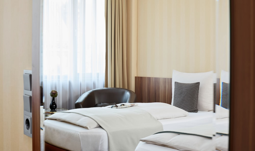리빙 호텔 뒤셀도르프 바이 데라크(Living Hotel Düsseldorf by Derag) Hotel Image 4 - Guestroom